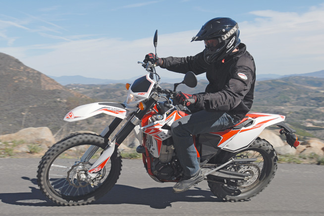 If you ride your Dual Sport on a daily basis, such as to and from work, you'll love the Beta 520 RS. Its planted front-end feel and strong front brake are nice attributes for daily commuting.