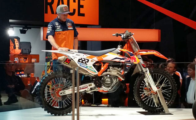 Reigning World MXGP Champion Antonio Cairoli was on hand to unveil the latest KTM 350SX-F Factory Edition at the EICMA Show in Milan, Italy.