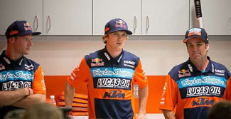 (Left to right) Troy Lee Designs/Lucas Oil/Red Bull/KTM riders Shame McElrath and Jessy Nelson with team owner Troy Lee.