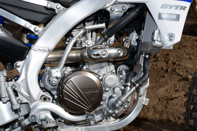 The FX's 249cc reversed, inclined Single-cylinder motor utilizes the same fuel injection, bore and stroke as its YZ and WR sisters, but its ECU is specifically tailored for off-road racing.