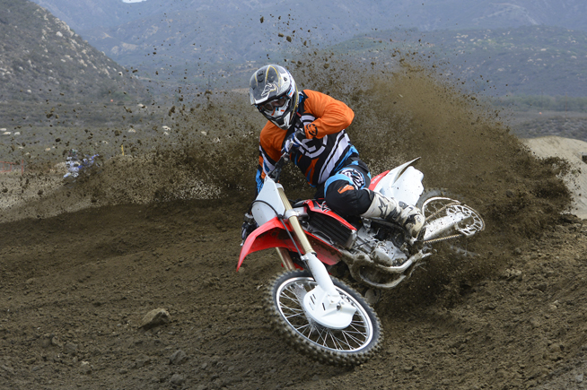 Honda is attacking 2016 with a revised yet more powerful CRF250R. The difference in power between the new machine and its predecessor is like night and day. No one will accuse the Honda of being slow in 2016.