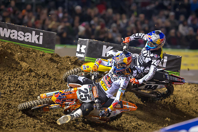 Marvin Musquin (25) ran second for the first five laps before Ken Roczen (94) overtook him and secured a runner-up finish in the main. Musquin held on for third place, his first Supercross podium aboard a 450. PHOTO BY RICH SHEPHERD.