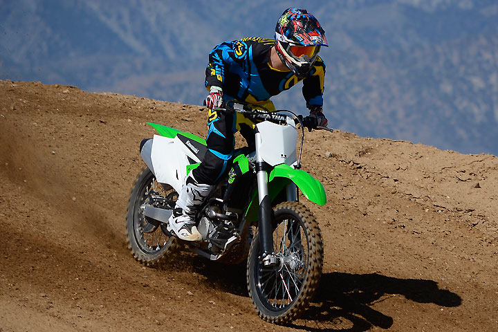 The KX250F's Show SFF fork and Uni-Trak rear suspension deliver 12.2 inches of high-quality travel front and rear. It's plush at both ends yet resists bottoming over jumps.