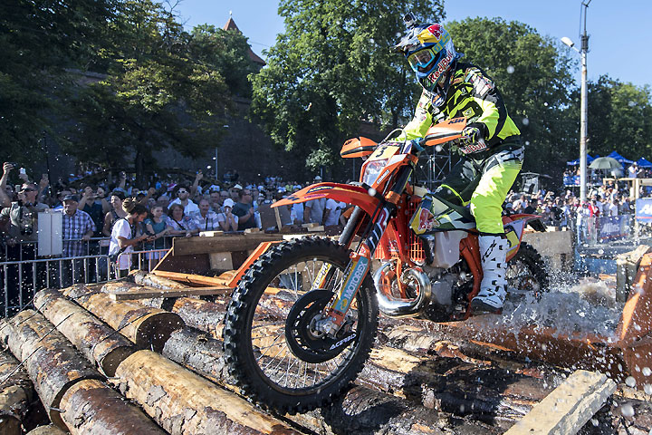 Alfredo Gomez of Spain set the pace for the start of the 2016 Red Bull Romaniacs Extreme Enduro in Sibiu, Romania, by winning Wednesday's prologue. PHOTO COURTESY OF RED BULL CONTENT POOL.