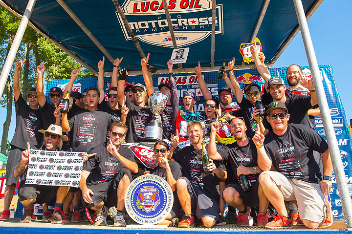 Roczen and his RCH Soaring Eagle Team, including 10-time Lucas Oil Pro Motocross Champion RIcky Carmichael (lower right), celebrate the team's historic title, the first by a privately backed factory team.