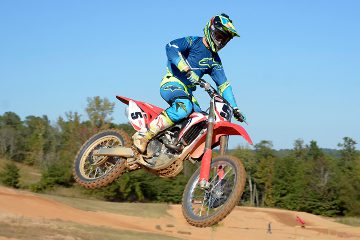 DirtBikes.com test rider Nic Garvin put a lot of laps on the Alpinestars Techstar Venom gear at our recent 2017 Honda CRF450R intro, giving the gear high marks for comfort and ventilation.