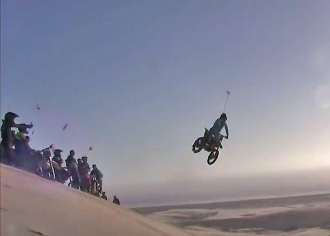 Video Dirt Bike Pirates Raid Oregon Sand Dunes