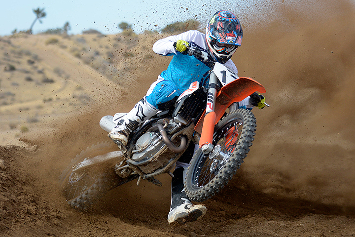 When ridden near the top of its rev ceiling, the 2017 KTM 250 SX-F is a devastatingly powerful 250cc motocross weapon that will please experts and professionals.