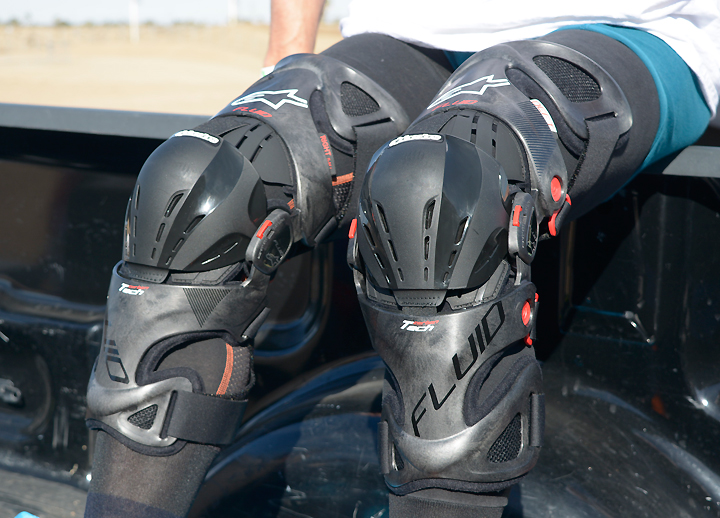 6ec363d2b7 Alpinestars Fluid Tech Carbon Knee Brace Review