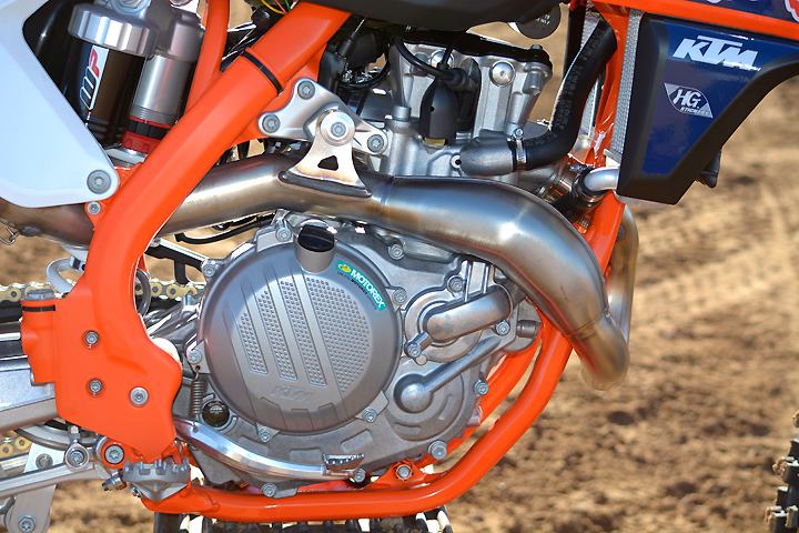 The KTM's SOHC engine is supposed to be tuned identically to the Husqvarna's, and yet the KTM made less horsepower on the dyno—52.5 at 9800 rpm—and felt faster on the track.
