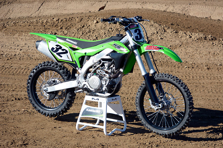 The 2017 Kawasaki KX450F is marginally different than the completely redesigned 2016 model. Changes for '17 include revisions to the KX's Showa air fork and Uni-Trak rear suspension.