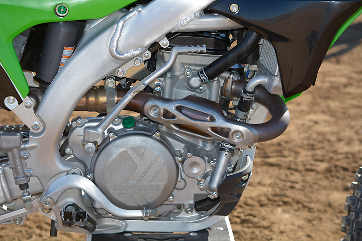 The Kawasaki's fuel-injected DOHC engine is designed to focus its power strongly in the midrange. The KX wasn't as strong on the dyno as its raspy exhaust note would suggest, punching out 50.6 peak horsepower at 9000 rpm.