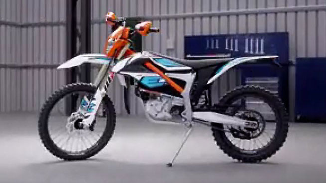 ktm unveils 2018 ktm freeride e xc plans for more electric motorcycles dirt bikes. Black Bedroom Furniture Sets. Home Design Ideas