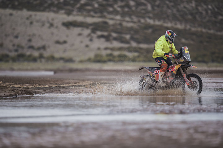 Aussie Price loses ground at Dakar Rally