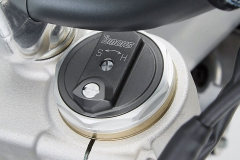 17-Honda-CRF450R_fork-cap