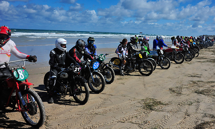 Sellicks Beach Vintage Race Attracts Thousands Dirt Bikes